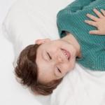 不眠が便秘の原因に!睡眠不足解消の寝具選び5カ条