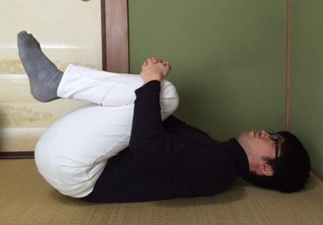 ウォーキング筋肉痛 腰ストレッチ